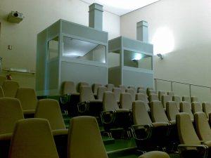 Esterno cabina per traduzione simultanea