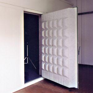 Porta fonoisolante per camera riverberante