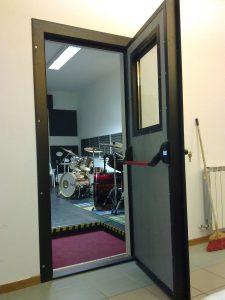Porta isolante per studio musicale isolante